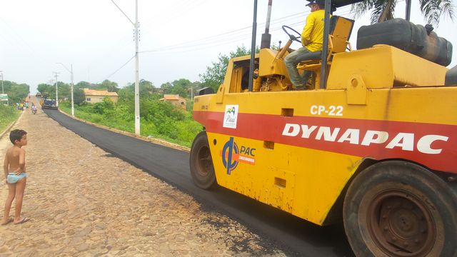 Obras de pavimentação asfáltica são iniciadas na cidade de São José do Divino-PI