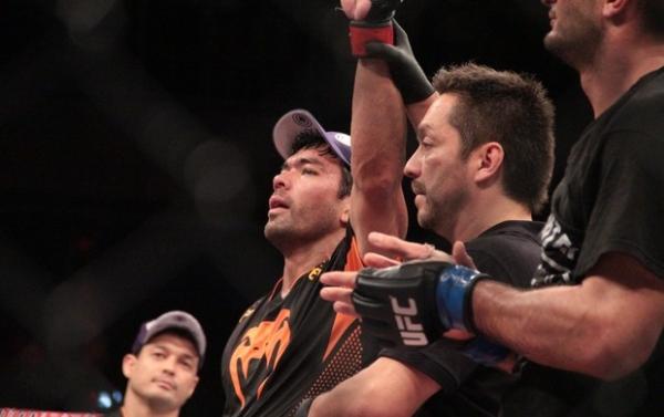 Lyoto bate Mousasi em luta previsível e se credencia para disputar cinturão