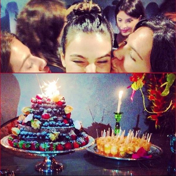 Isis Valverde ganha festa de aniversário surpresa e se emociona