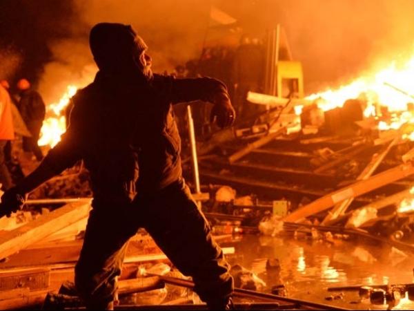 Confrontos entre manifestantes e polícia têm mais mortes na Ucrânia