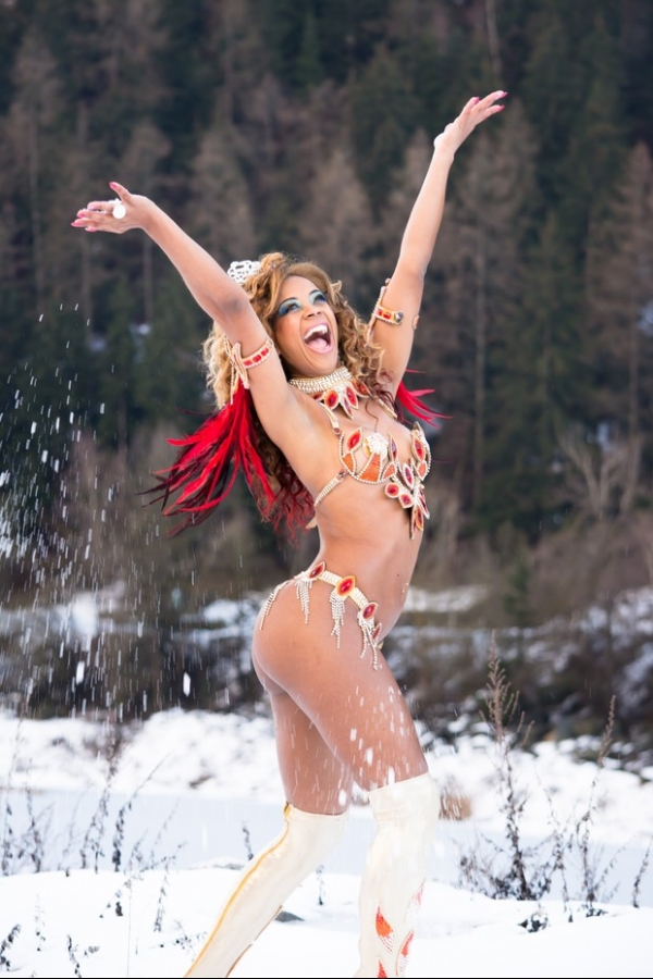Saiba quem é a Miss Genebra que agora é rainha do carnaval carioca