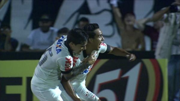 Pacotão do Timão: Jadson dá show, Fiel agradece, e Felipe entrega e salva