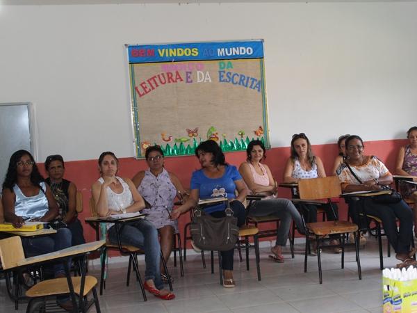 Prefeito participa de encerramento do Encontro Pedagógico 2014 - Imagem 6
