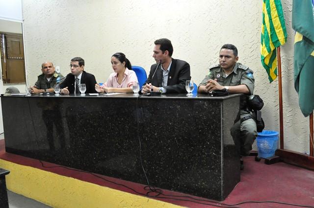 Reunião discute segurança pública na cidade