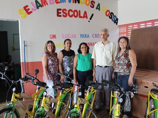 Prefeito participa de encerramento do Encontro Pedagógico 2014 - Imagem 1