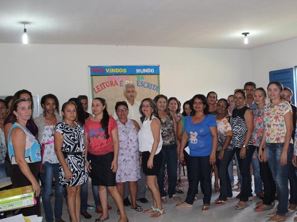 Prefeito participa de encerramento do Encontro Pedagógico 2014 - Imagem 7