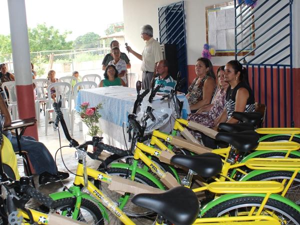 Prefeito participa de encerramento do Encontro Pedagógico 2014 - Imagem 10