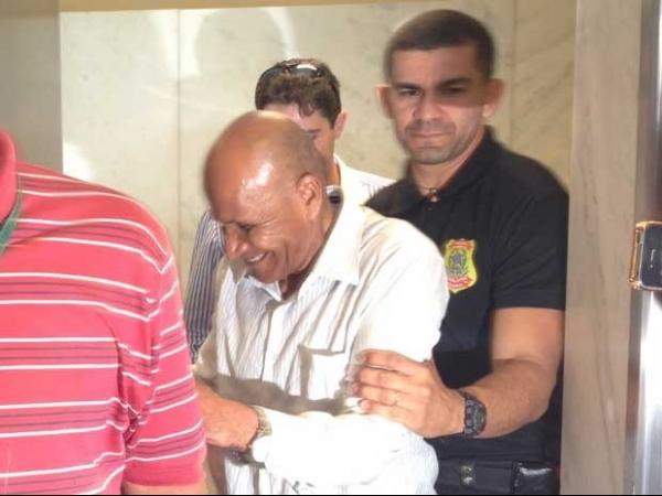 Idoso é detido após atirar a esmo na Praça dos Três Poderes