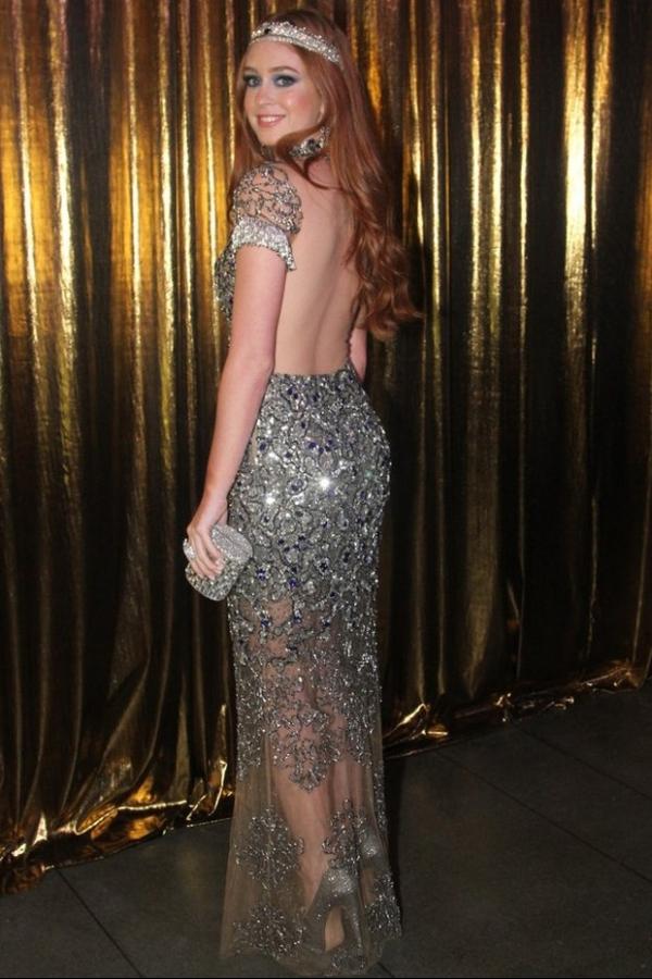 Marina Ruy Barbosa é eleita a mais bem-vestida em baile de gala