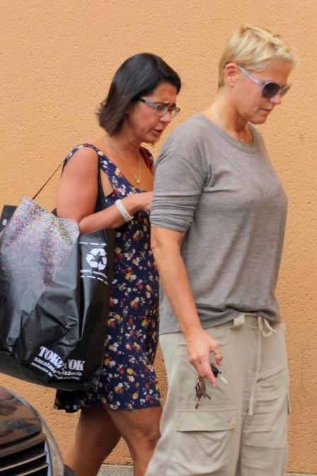Mãe de Xuxa permanece iem casa após 38 dias internada