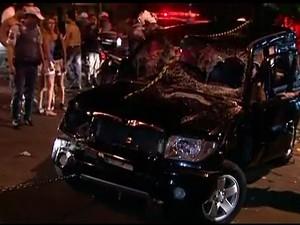 Motorista que atropelou foliões em SP é preso por embriaguez e lesão