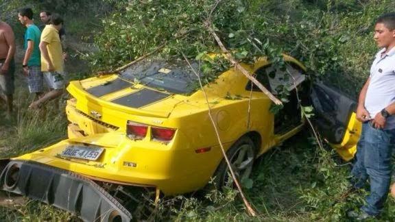 Rei do Frango sofre acidente de carro na BR-343 no Piau