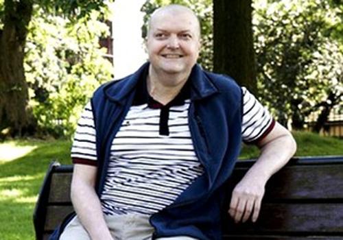 Homem que possui 70 tumores ganha sobrevida após tratamento inovador
