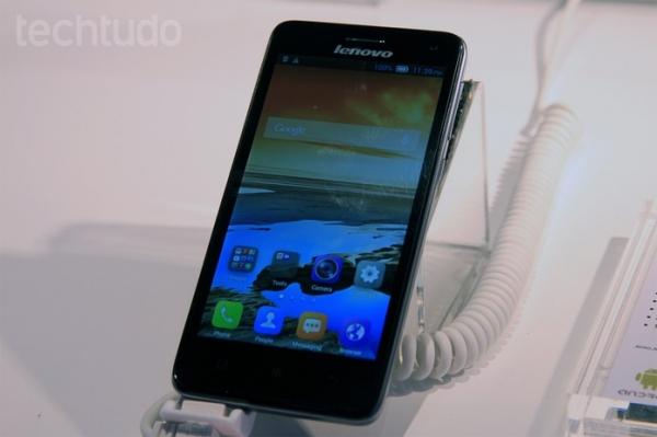 Lenovo apresenta tr黌 novos aparelhos de baixo custo no MWC 2014