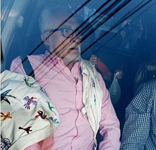 Médicos pedem mais exames para decidir aposentadoria de Genoino