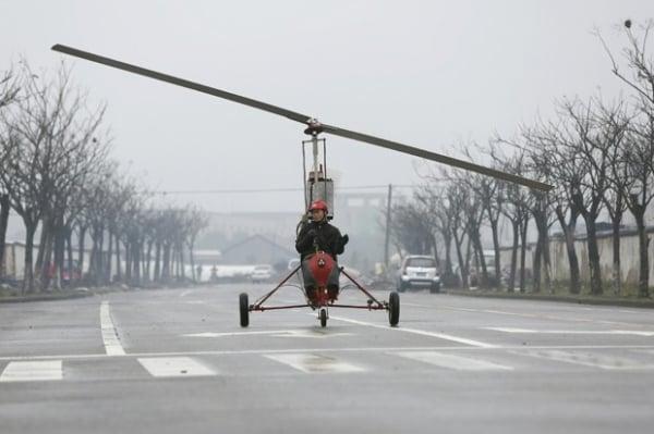 Chinês constrói o próprio helicóptero para realizar sonho de voar