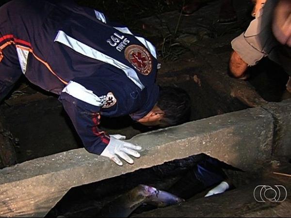 Homem é encontrado em chamas dentro de bueiro em Goiânia