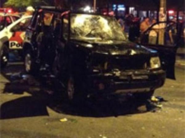 Motorista que atropelou folis  libertado em S縊 Paulo