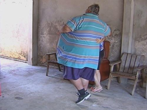 Aos 280kg, homem pede ajuda para emagrecer antes de reduzir estômago