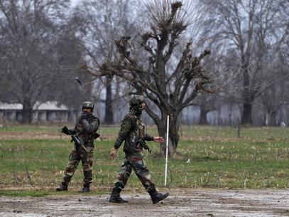 Soldado mata 5 colegas e comete suicídio na Caxemira