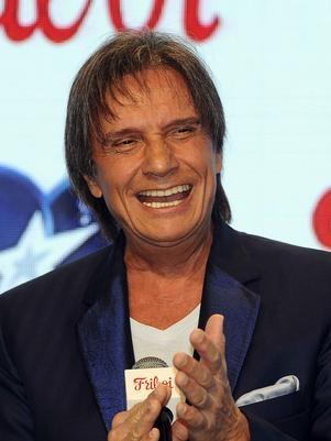 Roberto Carlos teria recebido R$ 25 milhs por comercial, diz jornal
