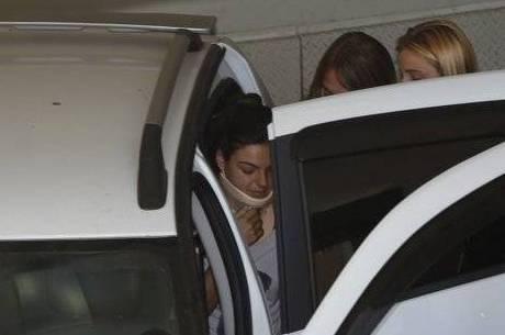Isis Valverde coloca segurança em quarto do hospital durante sua internação