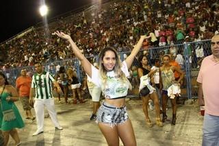 Mulher Melão irá desfilar apenas de tapa-sexo pela Grande Rio