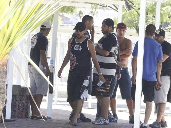 Jornal: organizados planejavam quebrar perna de Pato e Emerson