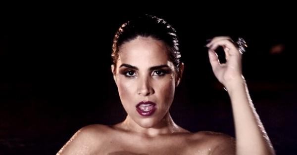 Grávida, Wanessa grava clipe sexy em clima de balada