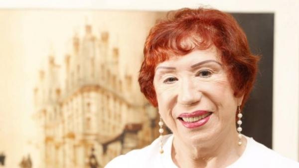 Atriz de 87 anos, Berta Loran quebra três costelas durante tentativa de assalto no Rio