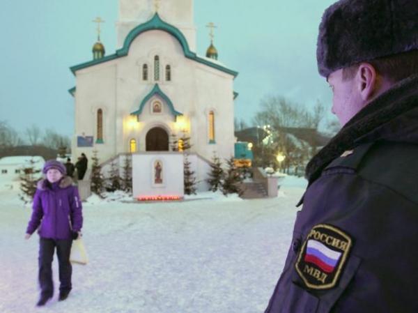 Atirador mata freira e religioso em catedral na Rússia; 6 ficam feridos