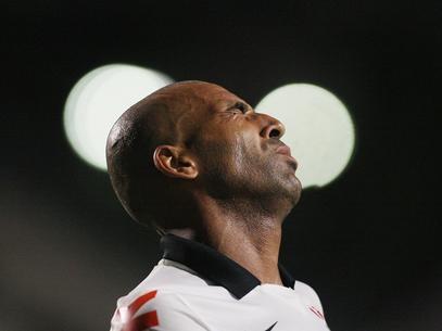 Mano dá chance a Emerson e diz não descartar ninguém no Corinthians