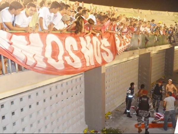 Morre em hospital torcedor que caiu de arquibancada de estádio na PB