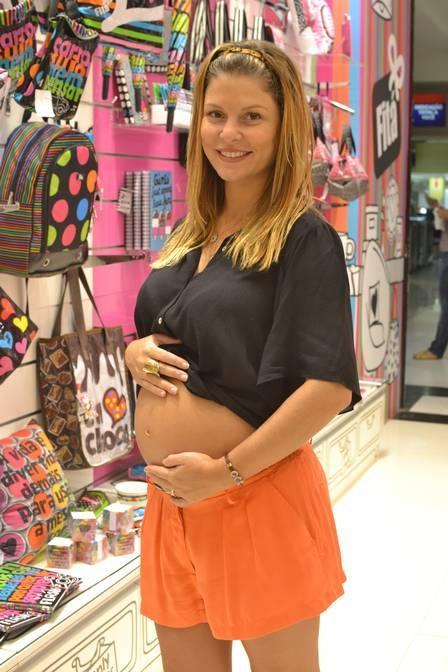 Bárbara Borges só ganhou 6kg em sete meses de gravidez: ?Se tudo continuar bem, nem chego a 12kg?
