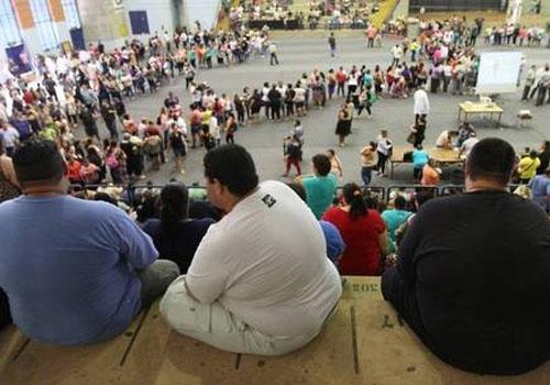 Fila para cirurgia de redução de estômago reúne mais de 1.000