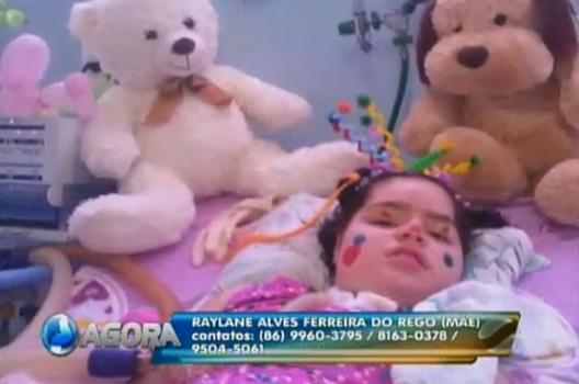 Silas Freire visita criança especial e pede ajuda para sua permanência com a família
