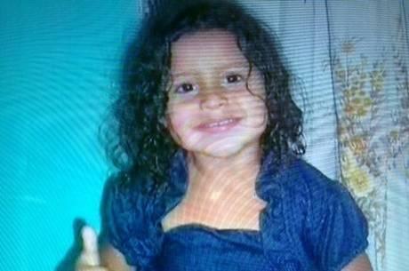Tia acusada de matar sobrinha asfixiada é condenada a 11 anos de prisão