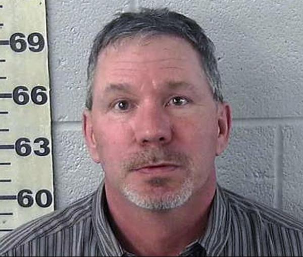 Candidato a xerife é preso por dirigir bêbado nos EUA
