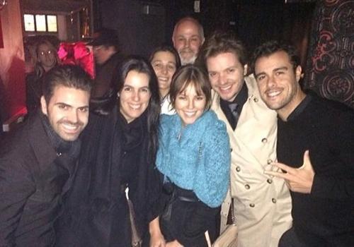 Com novo visual, Paolla Oliveira curte Nova York com namorado e amigos