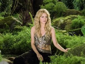 Danone recorre a Shakira para alavancar vendas do Activia