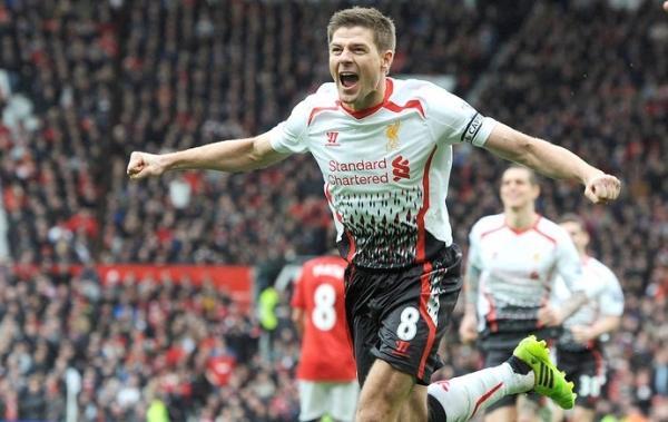 Gerrard faz dois, Suárez um, e Liverpool afunda United em crise