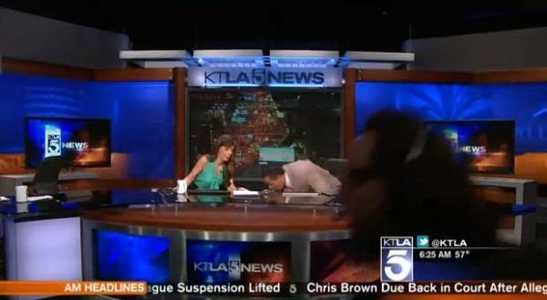 Terremoto causa pânico em apresentadores de jornal durante transmissão ao vivo