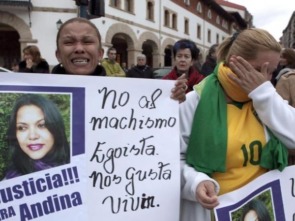 Assassinato de brasileira gera protestos na Espanha