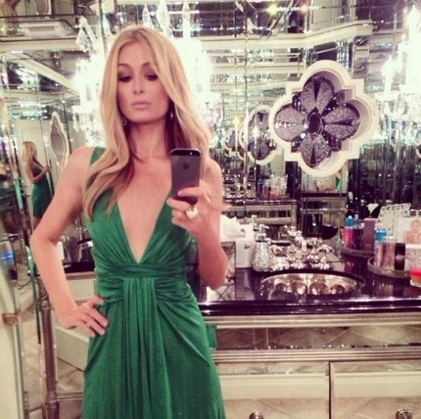 Paris Hilton mostra banheiro luxuoso em