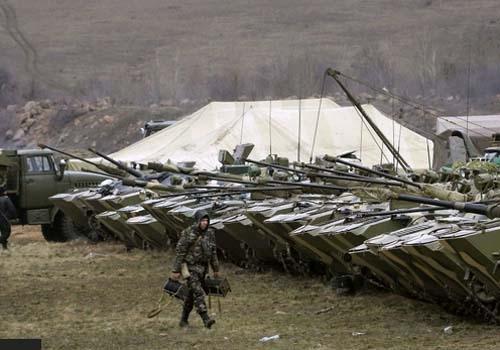 Ucrânia diz que abandonará a CEI e criará sistema de vistos para Rússia