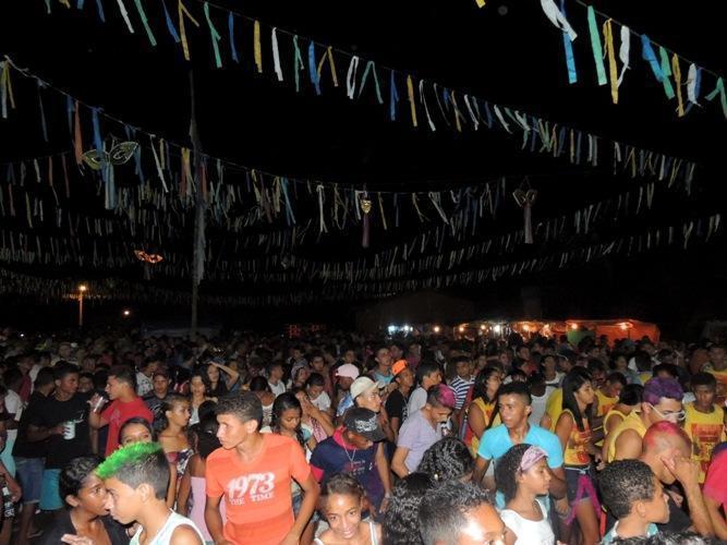 Confira os melhores cliques do 1ª dia de carnaval 2014 em Curralinhos