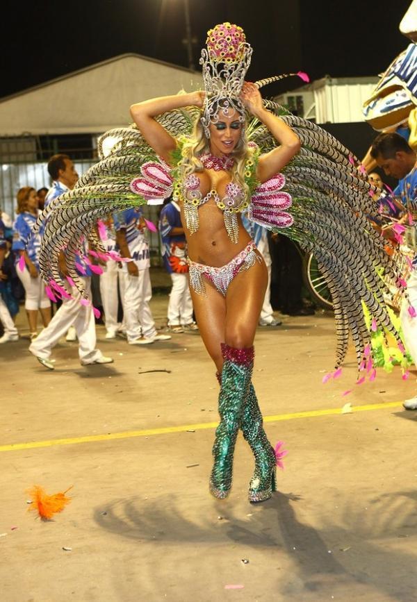 Carol Narizinho fala sobre fantasia: