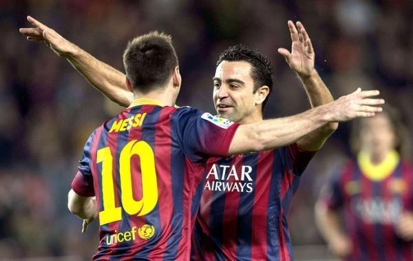 Com Neymar apagado, Messi faz belo gol de falta, e Barça derrota o Almería
