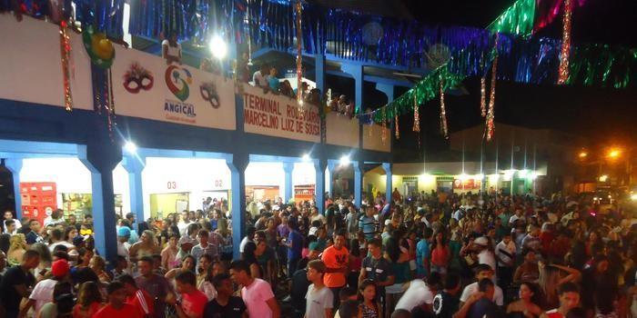 Confira como foi o primeiro dia de carnaval em Angical