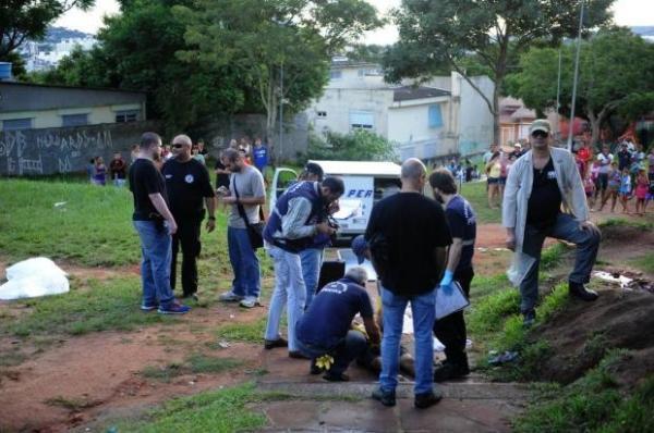 Três jovens são executados em praça da Zona Sul de Porto Alegre